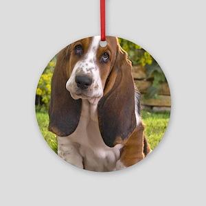 Basset puppy ipad Round Ornament