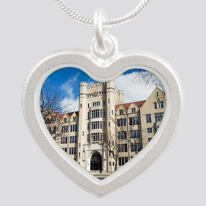 1DS2-2515-NOTECARD Silver Heart Necklace