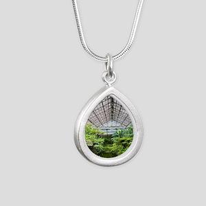 5D-15 IMG_0007-NOTECARD Silver Teardrop Necklace