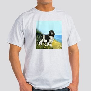 landseer on the beach Light T-Shirt