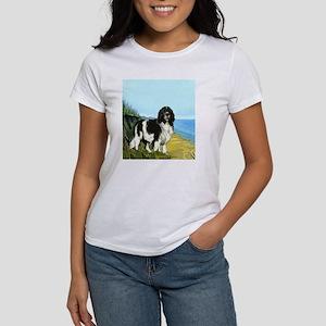 landseer on the beach Women's T-Shirt