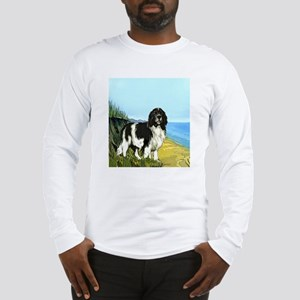 landseer on the beach Long Sleeve T-Shirt