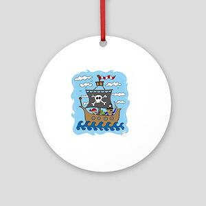 pirate1 Round Ornament