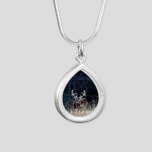16x20_whitetail Silver Teardrop Necklace