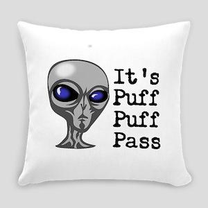 Puff Puff Pass Alien Everyday Pillow