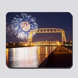 lift bridge Mousepad