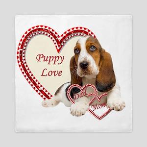 Basset Hound Puppy Love holding hearts Queen Duvet