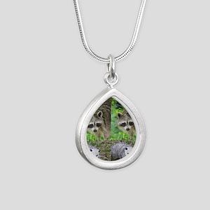 Ra10.526x12.885(203) Silver Teardrop Necklace