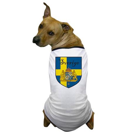 Sverige Flag Crest Shield Dog T-Shirt