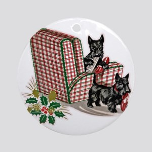 Scottish Terrier Christmas Round Ornament