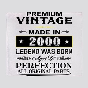 PREMIUM VINTAGE 2000 Throw Blanket