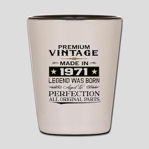 PREMIUM VINTAGE 1971 Shot Glass