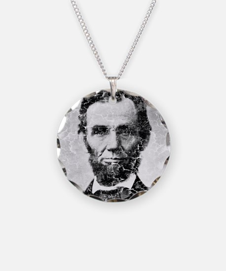 abe distressed Necklace