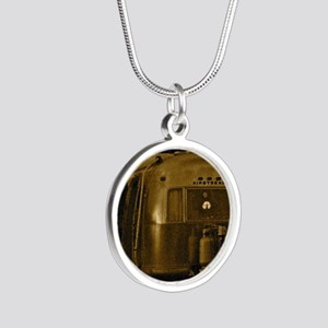 AIRSTREAM CEPIA Silver Round Necklace