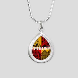 Barcelona_10x10_apparel_ Silver Teardrop Necklace