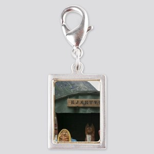 Wood Statues in the magnific Silver Portrait Charm