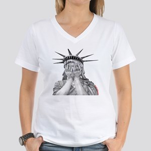 liberty final Women's V-Neck T-Shirt