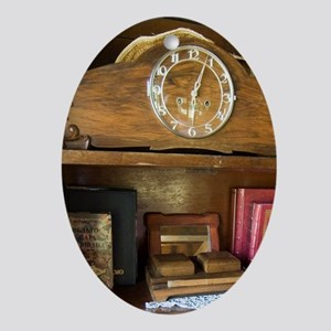 Ada Cingalija district Oval Ornament