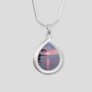 LKSu1010 Silver Teardrop Necklace