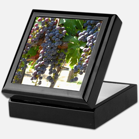 DHPurpGrapes3_11X14 Keepsake Box