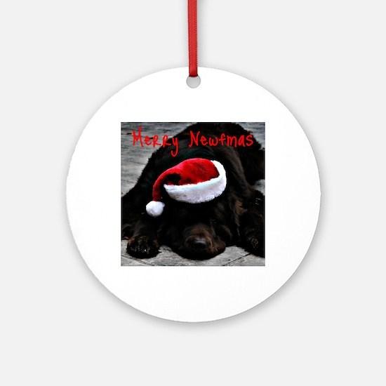 merry newfmas Round Ornament