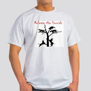 coon treed plain Light T-Shirt