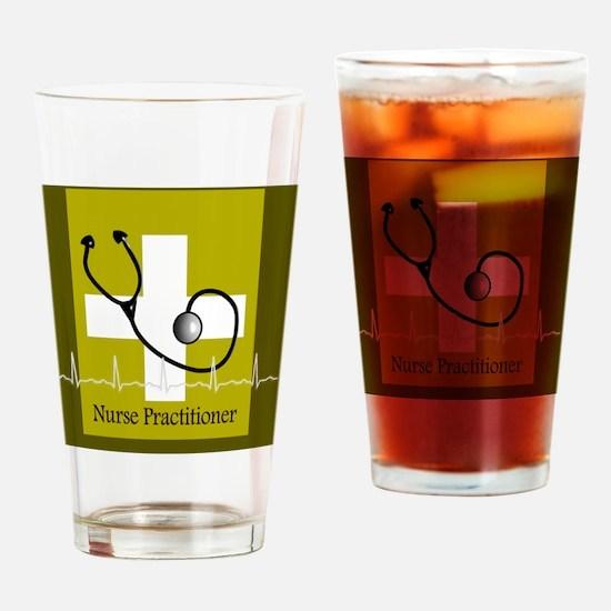 RN Nurse practi case cover green Drinking Glass
