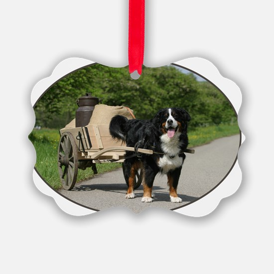 bernese_oval Ornament
