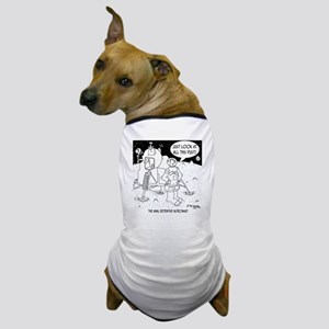 6530_cleaning_cartoon Dog T-Shirt