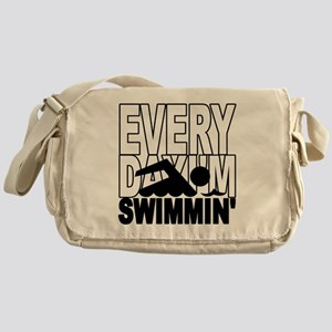 swimming2_wht Messenger Bag