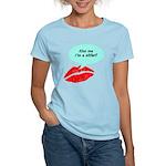 Kiss me I'm a skier Women's Light T-Shirt