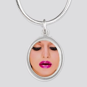 diva1 Silver Oval Necklace