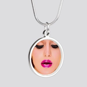 diva1 Silver Round Necklace
