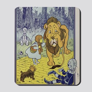 Cowardly_lion2-Dorothy-Wizard-Oz-1901-10 Mousepad