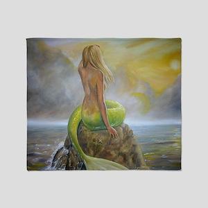 mermaids perch Throw Blanket