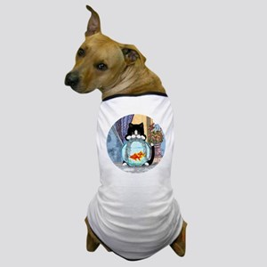 Cat Spying on Fish Dog T-Shirt