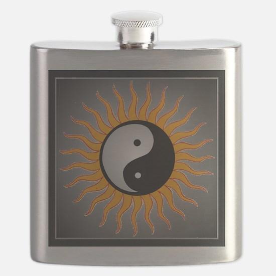 yin yang w black border Flask