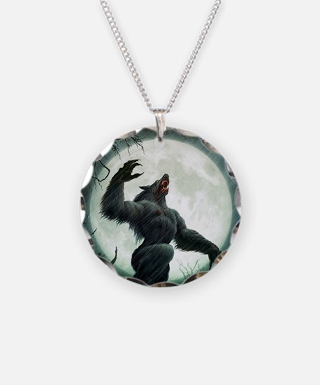Howl-Tshirt Necklace