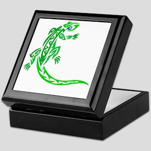 lizard_1 green 7x8 right Keepsake Box