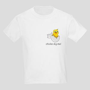 CHICKS DIG ME! Kids T-Shirt
