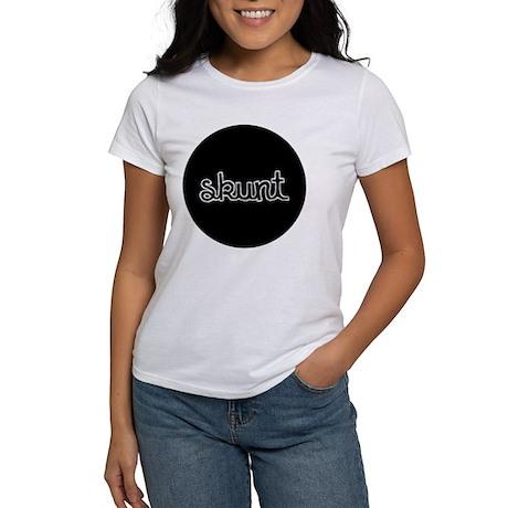 Skunt_button Women's T-Shirt