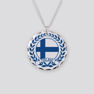 finlandwreath Necklace Circle Charm