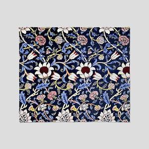 William Morris vintage design: Evenl Throw Blanket