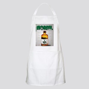 NL DVD cover crop Apron