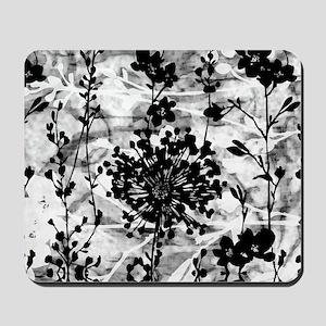 GardenBWgPilloC Mousepad