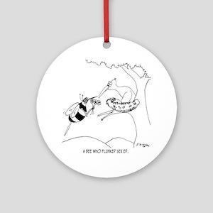 6564_bee_cartoon Round Ornament