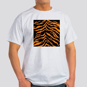 showercurtainorangetiger Light T-Shirt