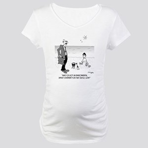 6131_beach_cartoon Maternity T-Shirt