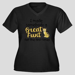 great aunt Women's Plus Size Dark V-Neck T-Shirt