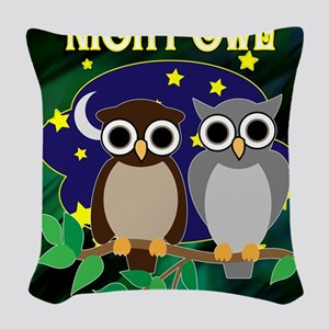 NIGHT-OWL-RETRO-70S-shower_cur Woven Throw Pillow